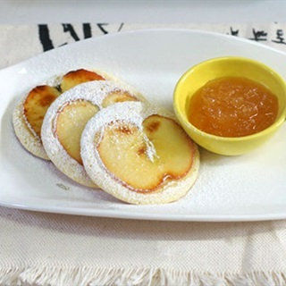 Bánh pancake táo