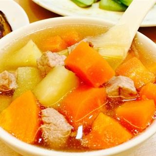 Súp khoai tây thịt heo