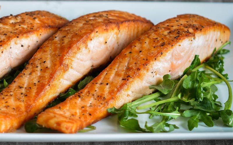 Cách làm Cá Hồi Áp Chảo thơm ngon, bổ dưỡng tại nhà