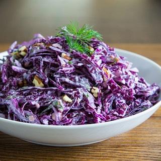 Salad bắp cải tím hạt óc chó