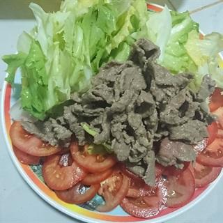 Salad trộn dầu giấm thịt bò