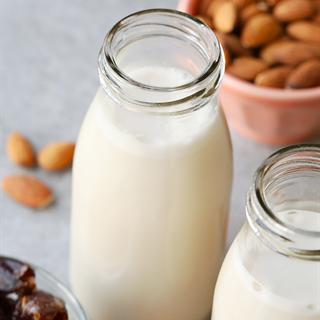 Cách làm Sữa hạnh nhân đơn giản