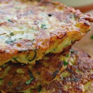 Cách làm bánh bí ngòi khoai tây chiên