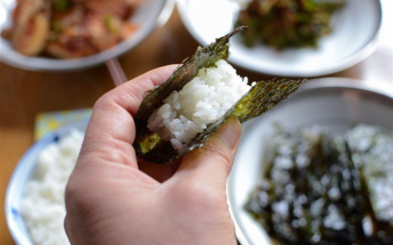 Cách làm Rong Biển Sấy khô giòn tan dùng cuộn cơm nấm