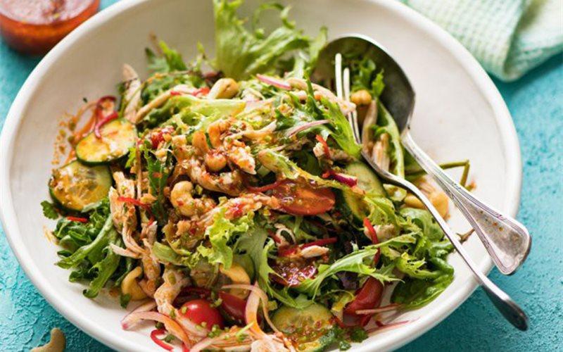Cách làm salad gà kiểu Thái