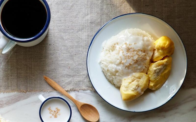 Cách làm Xôi nếp sầu riêng cốt dừa