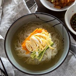 Mì nấu kiểu Hàn - Janchi Guksu