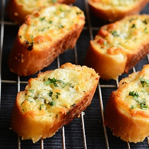 Bánh mì nướng bơ tỏi phô mai