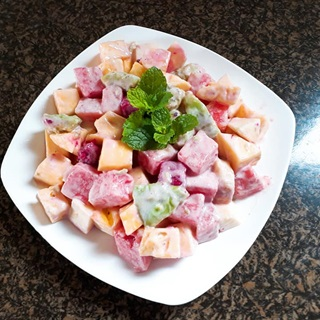 Cách làm salad hoa quả đơn giản