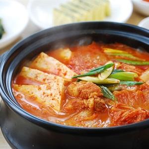 Lẩu kim chi đơn giản kiểu Hàn