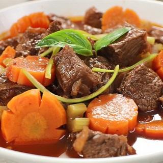 Cách nấu Bò Sốt Vang mềm thịt đậm đà hương vị tại nhà