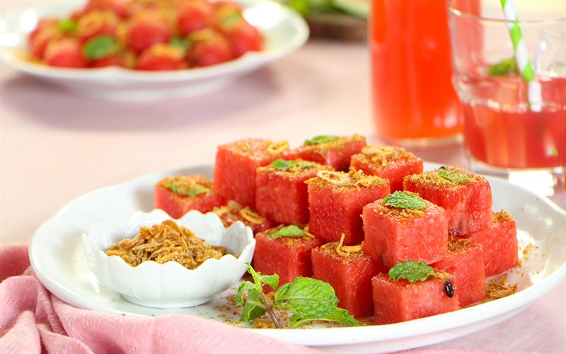 Cách làm Salad Dưa Hấu Kiểu Thái giòn mát, đơn giản tại nhà