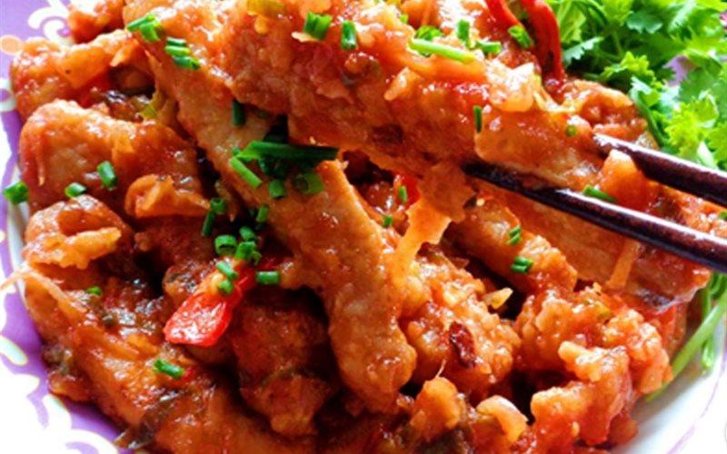 Cách làm thịt heo chiên sốt cà chua
