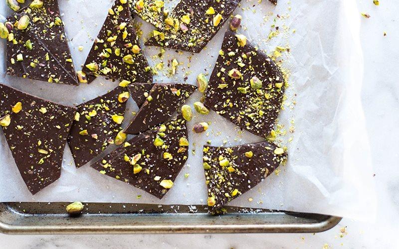 Cách làm Chocolate hạt dẻ cười