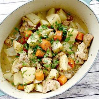 Cách nấu canh gà rau củ đơn giản