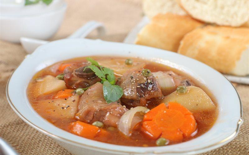 Cách nấu Lagu Gà nước dừa chuẩn vị ngon cho bữa tiệc