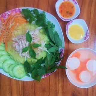 Cách làm Cơm Gà Phú Yên thơm ngon cho bữa cơm gia đình