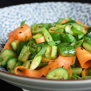 Cách làm Salad cà rốt dưa leo dầm
