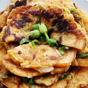 Bánh kimchi chiên hành