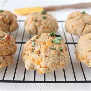 Cách làm Bánh quy phô mai tỏi