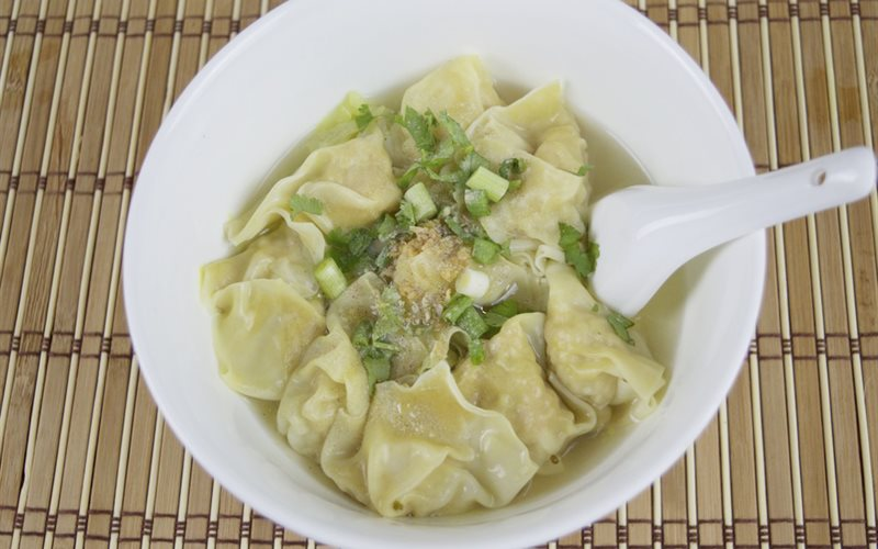 Cách làm súp hoành thánh nhân tôm thịt