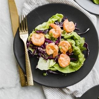 Cách làm Salad bắp cải tôm sốt Thái