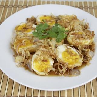 Cách làm trứng luộc chiên sốt mắm me
