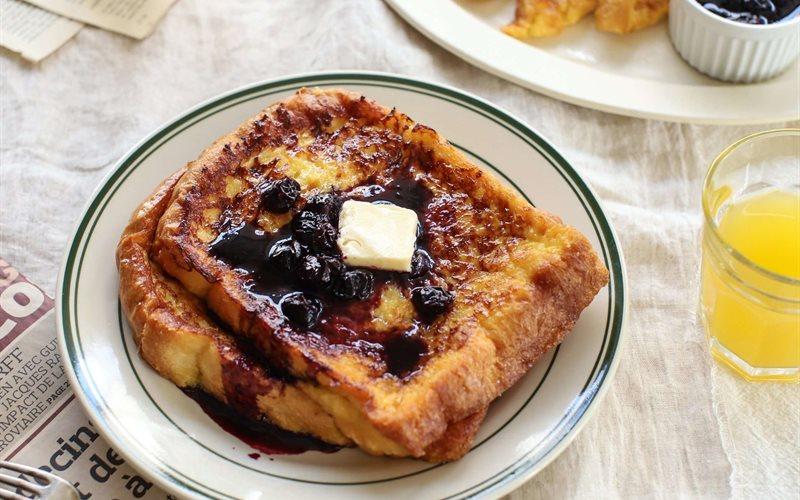 Cách làm Bánh toast việt quất kiểu Pháp