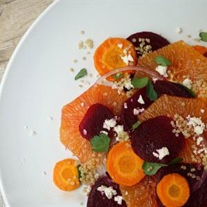 Salad cam củ dền cà rốt
