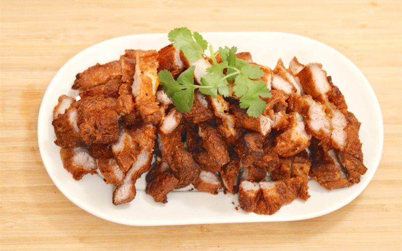 Cách làm thịt heo chiên giòn kiểu Thái
