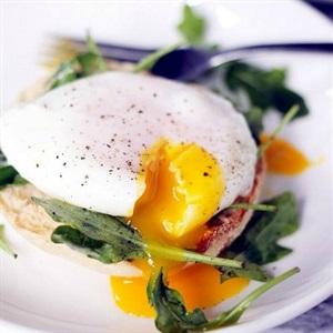 Trứng gà chần