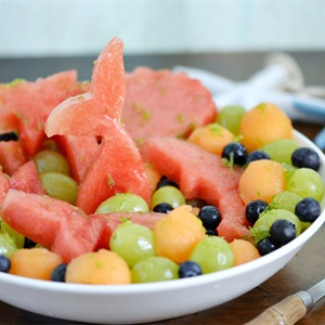 Salad dưa hấu trái cây chua ngọt