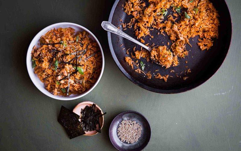 Cách làm Cơm Rang Kimchi ngon lạ miệng cho bữa sáng