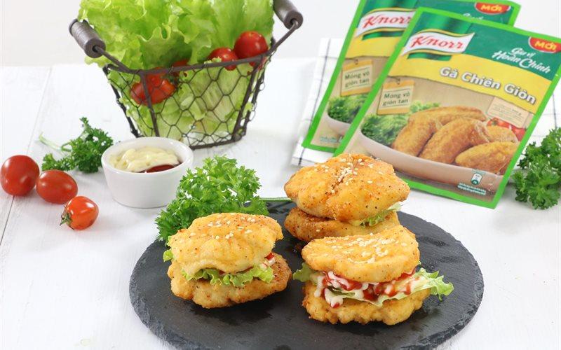 Cách làm burger gà và cá chiên giòn