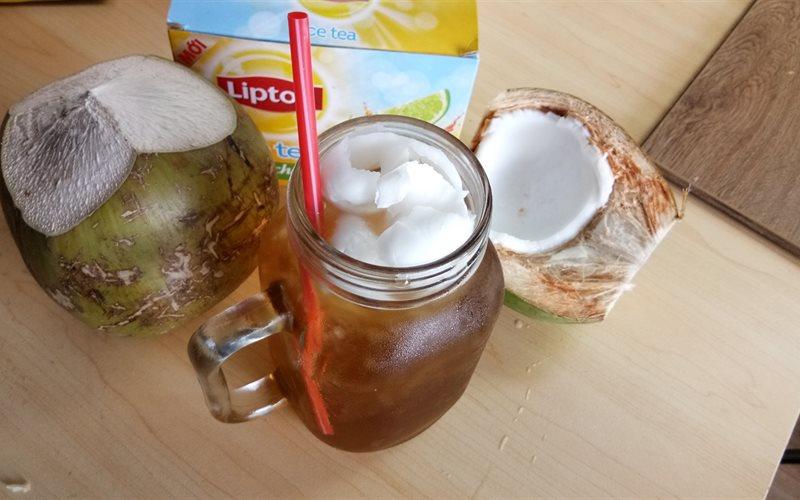 Cách làm trà Lipton chanh dừa mát lạnh