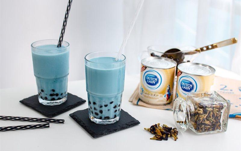 Cách làm Trà Sữa Hoa Đậu Biếc thơm ngon mát lạnh, hấp dẫn