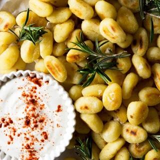 Cách làm gnocchi khoai tây chiên olive