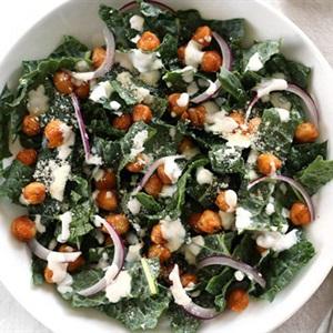 Salad cải xoăn đậu gà