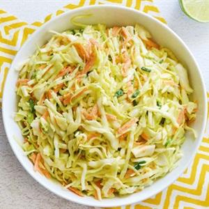 Salad bắp cải cà rốt sốt mayonnaise
