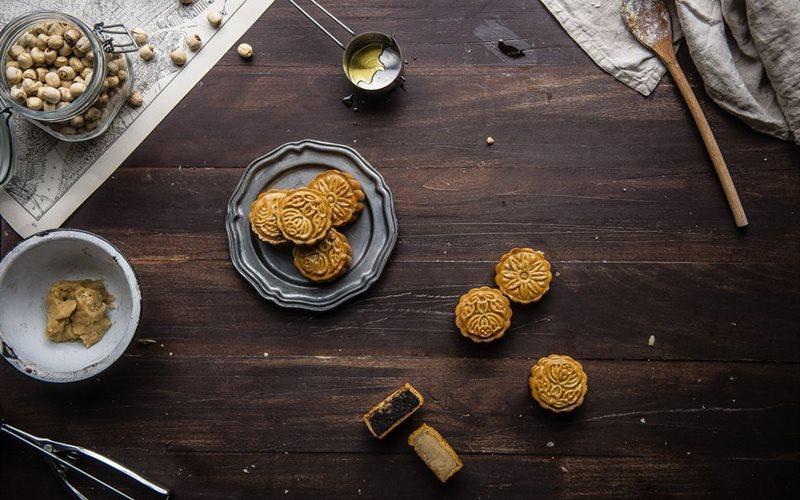 Cách làm Bánh trung thu nhân hạt sen nướng