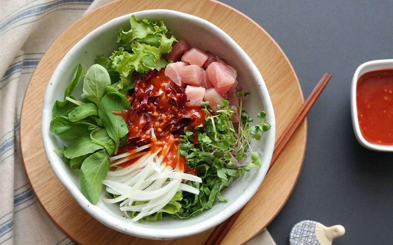 Cách làm salad cá ngừ trộn rau cải