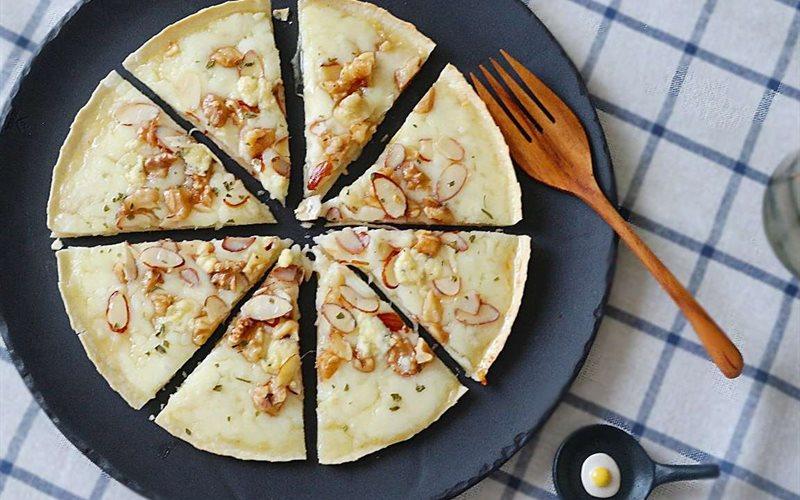 Cách làm Bánh pizza Gorgonzola