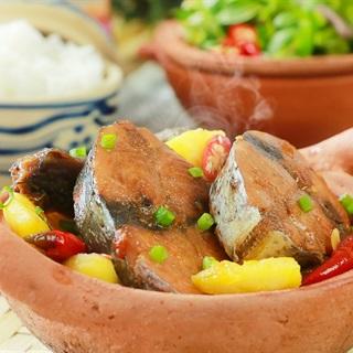 Cách làm Cá Ngừ Kho Thơm nước dừa thơm ngon đậm đà tại nhà