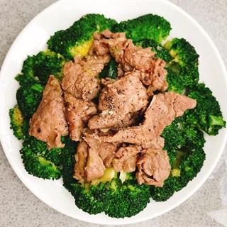 Cách làm Bò xào bông cải xanh