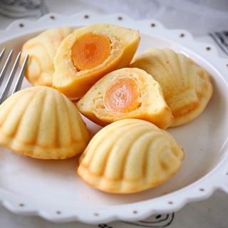 Cách làm bánh con sò Madeleine nhân chà bông trứng muối