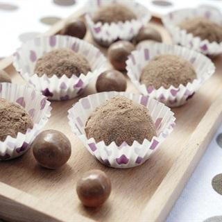 Cách làm bánh gạo nhân kẹo choco
