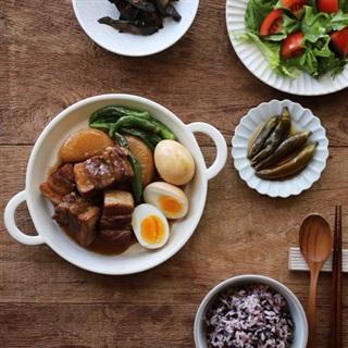 Cách làm thịt ba chỉ kho củ cải và trứng cay thơm
