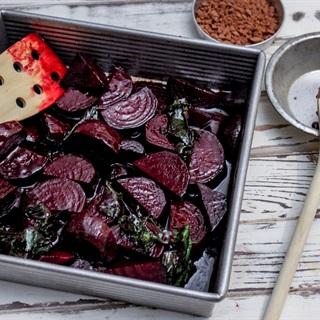 Cách làm Củ dền nướng chocolate