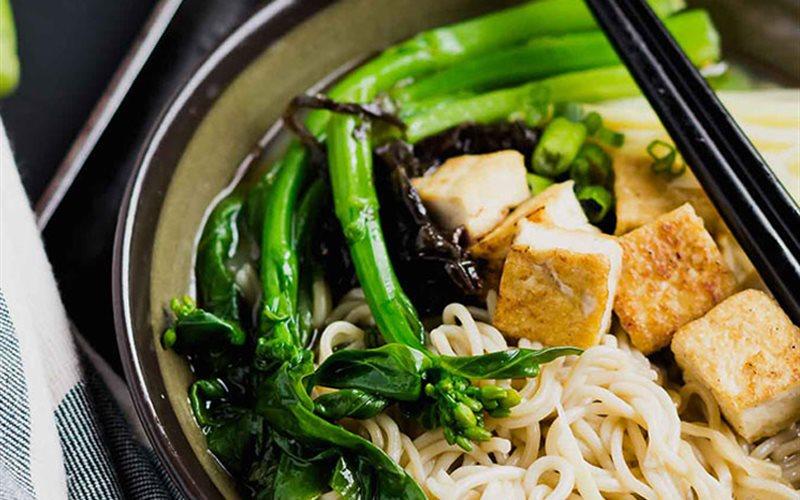 Cách làm Mì Ramen nấu đậu hũ và tương Miso