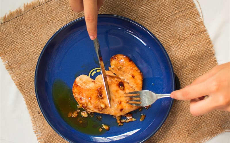 Kết quả hình ảnh cho gà áp chảo với tỏi